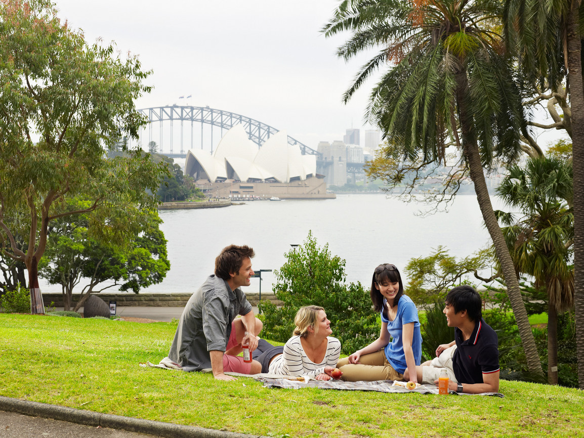the japanese tourists in australia Three japanese tourists holidaying in australia came unstuck when their satnav told them they could drive from the mainland to an island - failing to mention the 15 kilometres of water and mud.