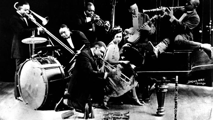 a comparison of chicago jazz and new york jazz since the 1920s Statistics: the american economy during the 1920s cars on the road 1919 19 million 67 million 1929 our collection: 170 central park west new york.